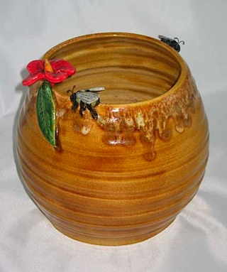 Bumble Bee Pot-2